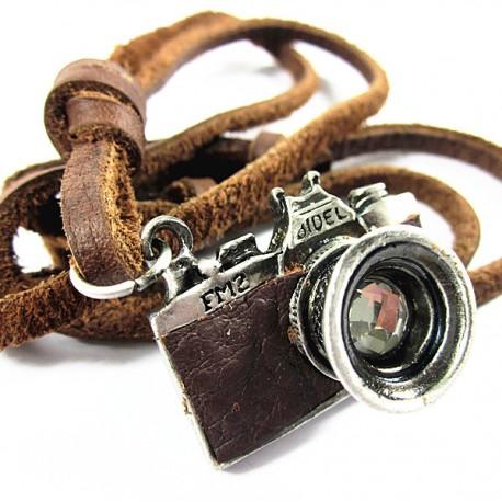 Fényképezőgép medállal bőr nyaklánc
